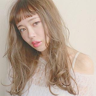 外国人風 アッシュ ナチュラル ショートバング ヘアスタイルや髪型の写真・画像