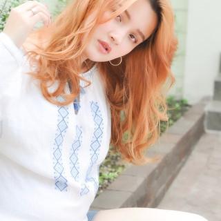 ナチュラル 外国人風フェミニン ヘアアレンジ パーマ ヘアスタイルや髪型の写真・画像