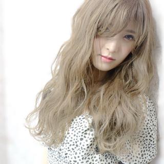ブリーチカラー ミルクティーベージュ エレガント ミルクティー ヘアスタイルや髪型の写真・画像