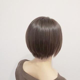 ベージュ インナーカラー ショート ミニボブ ヘアスタイルや髪型の写真・画像