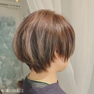 切りっぱなしボブ ショートヘア ゆるふわ ショート ヘアスタイルや髪型の写真・画像