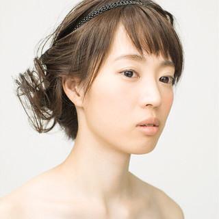 ねじり セミロング 簡単ヘアアレンジ ショート ヘアスタイルや髪型の写真・画像