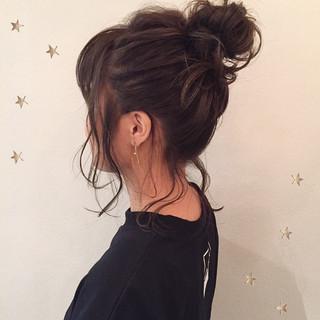 ヘアアレンジ ミディアム お団子 ストリート ヘアスタイルや髪型の写真・画像