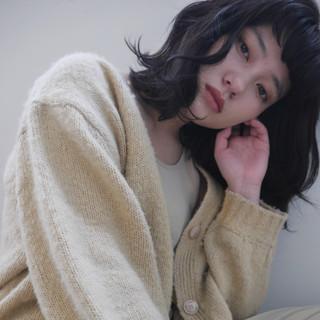 カジュアル ミディアムレイヤー ミディアム ミディアムヘアー ヘアスタイルや髪型の写真・画像