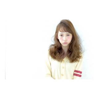 セミロング ゆるふわ 前髪あり ガーリー ヘアスタイルや髪型の写真・画像
