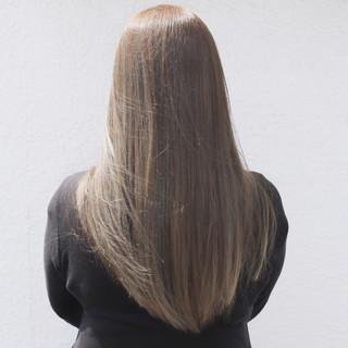 透明感 ロング ハイライト アッシュ ヘアスタイルや髪型の写真・画像 ヘアスタイルや髪型の写真・画像