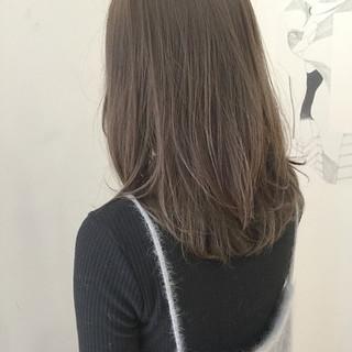 ブラウン フェミニン 透明感 セミロング ヘアスタイルや髪型の写真・画像 ヘアスタイルや髪型の写真・画像