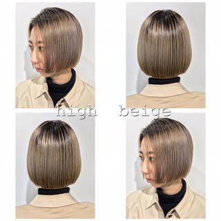 ボブ ベージュ ミニボブ ブリーチカラー ヘアスタイルや髪型の写真・画像