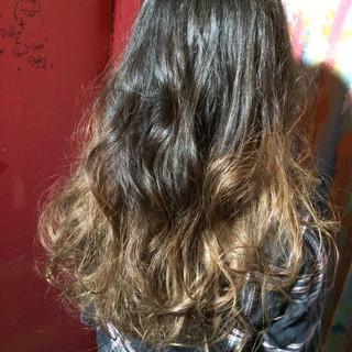 外国人風 アッシュ モード ロング ヘアスタイルや髪型の写真・画像