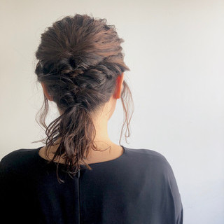 ミディアム ヘアアレンジ 簡単ヘアアレンジ ナチュラル ヘアスタイルや髪型の写真・画像