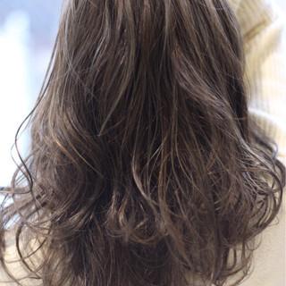 アッシュ ミディアム ナチュラル 外国人風カラー ヘアスタイルや髪型の写真・画像 ヘアスタイルや髪型の写真・画像