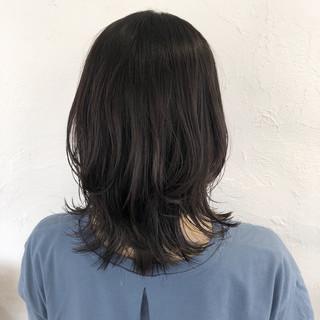 ミディアムレイヤー ヘアアレンジ ナチュラル レイヤーカット ヘアスタイルや髪型の写真・画像