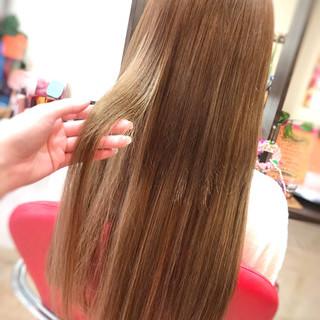 ハイトーン 大人可愛い ベージュ エクステ ヘアスタイルや髪型の写真・画像