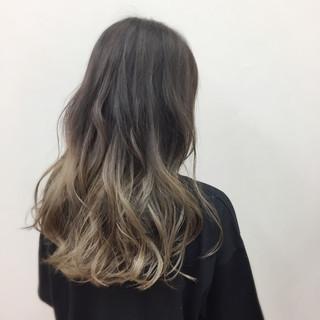 ブリーチ 外国人風カラー ロング アッシュ ヘアスタイルや髪型の写真・画像 ヘアスタイルや髪型の写真・画像
