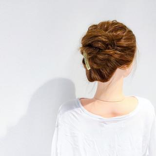 ヘアアレンジ フェミニン アウトドア セミロング ヘアスタイルや髪型の写真・画像