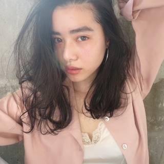 パンク セミロング 春 ウェットヘア ヘアスタイルや髪型の写真・画像