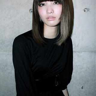 ダークアッシュ ハイライト モード ボブ ヘアスタイルや髪型の写真・画像