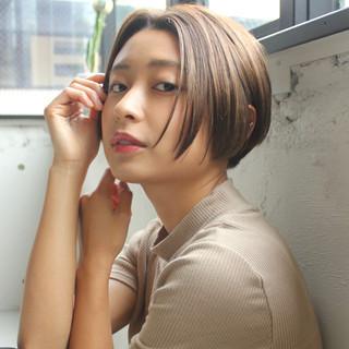 前髪なし デジタルパーマ ボブ ナチュラル ヘアスタイルや髪型の写真・画像