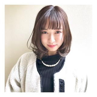 グレージュ モテ髪 ナチュラル レイヤーボブ ヘアスタイルや髪型の写真・画像