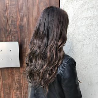 グレージュ エレガント 上品 ロング ヘアスタイルや髪型の写真・画像