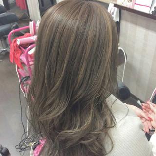 ナチュラル ダブルカラー セミロング イルミナカラー ヘアスタイルや髪型の写真・画像