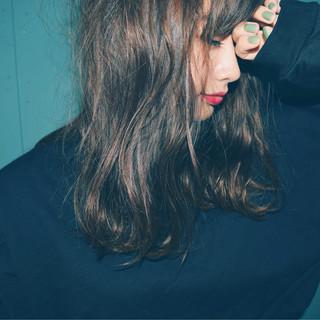 リラックス デート 女子会 斜め前髪 ヘアスタイルや髪型の写真・画像