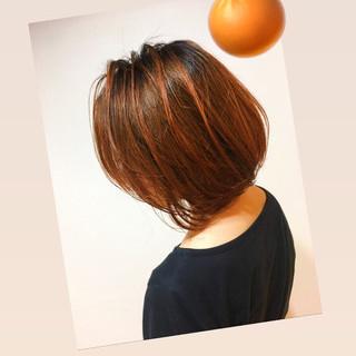ボブ アンニュイほつれヘア ヘアアレンジ オレンジカラー ヘアスタイルや髪型の写真・画像