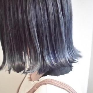 グレーアッシュ 切りっぱなしボブ ハイライト ボブ ヘアスタイルや髪型の写真・画像