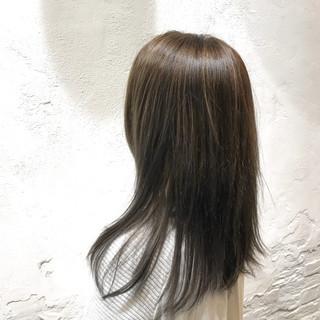 エレガント ヘアカラー 艶髪 セミロング ヘアスタイルや髪型の写真・画像