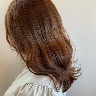 ミルクティーブラウン ナチュラル レイヤーボブ 切りっぱなしボブ ヘアスタイルや髪型の写真・画像