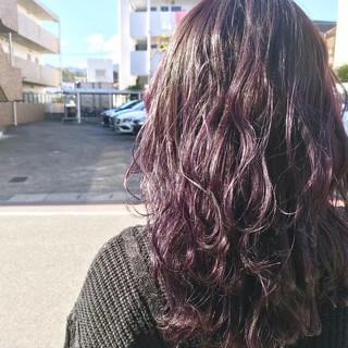アンニュイほつれヘア ニュアンスウルフ ウルフカット バイオレットアッシュ ヘアスタイルや髪型の写真・画像