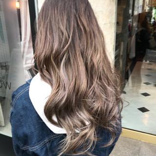 ヘアアレンジ ミルクティーベージュ フェミニン ハイライト ヘアスタイルや髪型の写真・画像