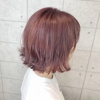 クリーミーカラー ボブ フェミニン イルミナカラー ヘアスタイルや髪型の写真・画像