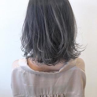 グラデーションカラー ミディアム ヘアスタイル アッシュベージュ ヘアスタイルや髪型の写真・画像