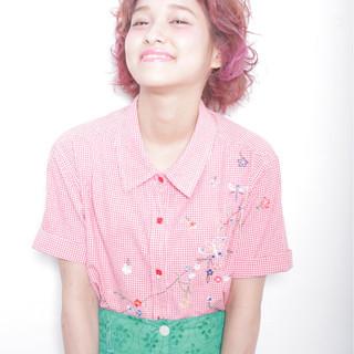 ピンク グラデーションカラー ガーリー ハイトーン ヘアスタイルや髪型の写真・画像