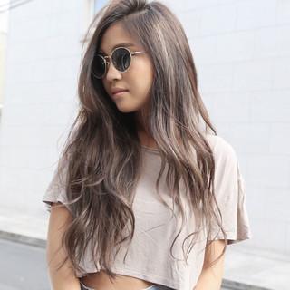ハイライト グラデーションカラー ロング ニュアンス ヘアスタイルや髪型の写真・画像