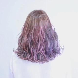 ミディアム フェミニン ハイライト 透明感 ヘアスタイルや髪型の写真・画像