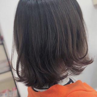 グレージュ ナチュラル アッシュグレージュ パーマ ヘアスタイルや髪型の写真・画像