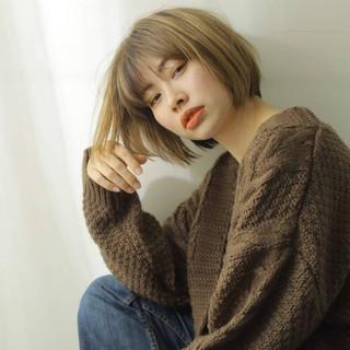 秋冬スタイル ボブ 切りっぱなしボブ 前髪あり ヘアスタイルや髪型の写真・画像