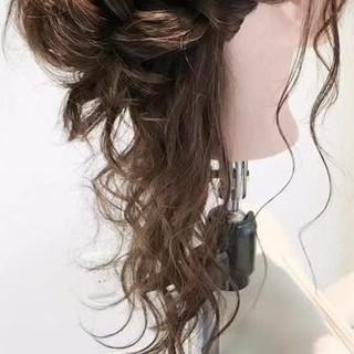 ロング ヘアアレンジ ルーズ フェミニン ヘアスタイルや髪型の写真・画像