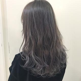 ウェーブ アッシュ ハイライト 透明感 ヘアスタイルや髪型の写真・画像
