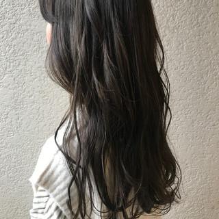 ロングヘア ロングヘアスタイル グレージュ ナチュラル ヘアスタイルや髪型の写真・画像