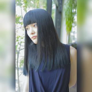 髪の赤みがイヤ!【アッシュグリーン】で透明感のあるヘアカラーに♡