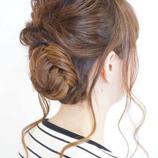 ヘアアレンジ フィッシュボーン くるりんぱ 編み込み ヘアスタイルや髪型の写真・画像 ヘアスタイルや髪型の写真・画像