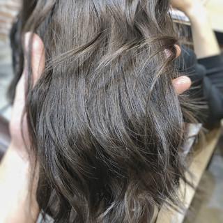 グレージュ デジタルパーマ イルミナカラー 3Dカラー ヘアスタイルや髪型の写真・画像