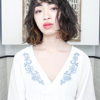 外国人風 インナーカラー ナチュラル ニュアンス ヘアスタイルや髪型の写真・画像