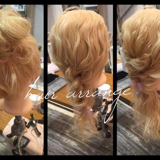 簡単ヘアアレンジ セミロング ヘアアレンジ お団子 ヘアスタイルや髪型の写真・画像