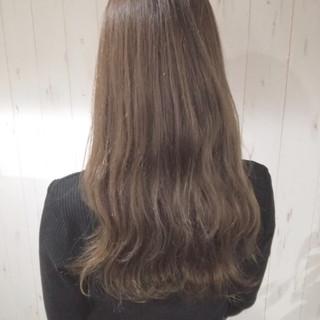 ロング 艶髪 透明感 ベージュ ヘアスタイルや髪型の写真・画像