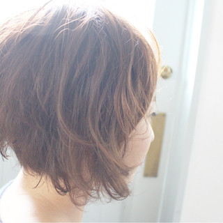 フェミニン パーマ ナチュラル ゆるふわ ヘアスタイルや髪型の写真・画像