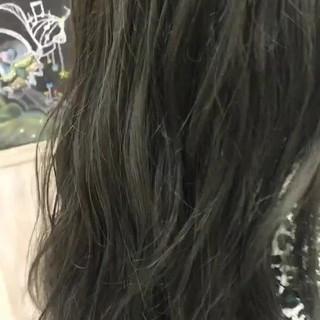 カーキアッシュ アッシュ オリーブアッシュ スモーキーアッシュ ヘアスタイルや髪型の写真・画像 ヘアスタイルや髪型の写真・画像